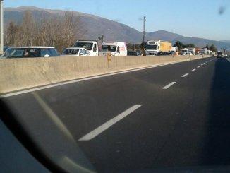 Incidente sulla 75 Centrale Umbra all'altezza di Bastia, auto si ribalta