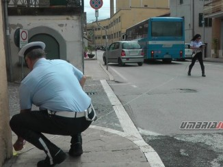 Incidente a Bastia tra pullman e auto, a due passi dal centro, nessun ferito