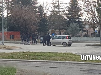 Incidente tra auto e scooter a Villaggio XXV Aprile, nessun ferito
