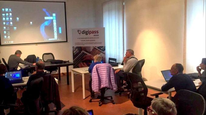 Corso di informatica di Unilibera Bastia Umbra al Digipass di S.M. Angeli