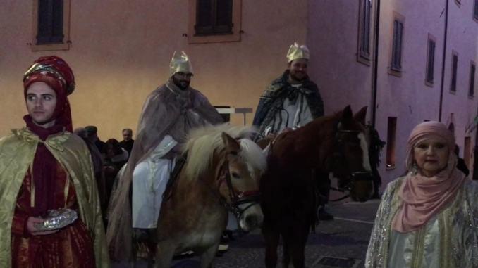 Arrivano i Re Magi a Bastia alla prima edizione del presepe vivente