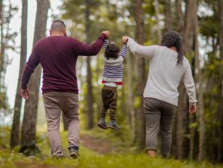 """Bambini, """"Piano in tre fasi per un graduale ritorno alla vita attiva"""""""