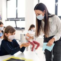 Scuola elementare di Bastia Umbra, bimba positiva covid, scatta protocollo
