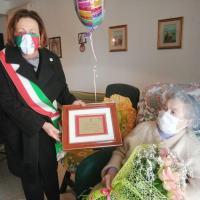 I 100 anni di Nonna Livia, l'omaggio del sindaco e Amministrazione