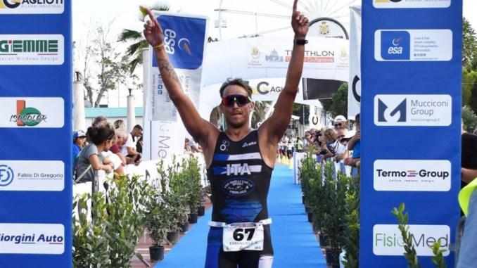 Emanuele Settimi trionfa, triathlon olimpico, complimenti dal Comune