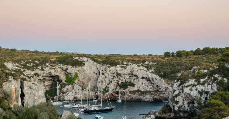 Esta escapadinha incrível para Menorca só custa 485€ por pessoa com pequeno-almoço
