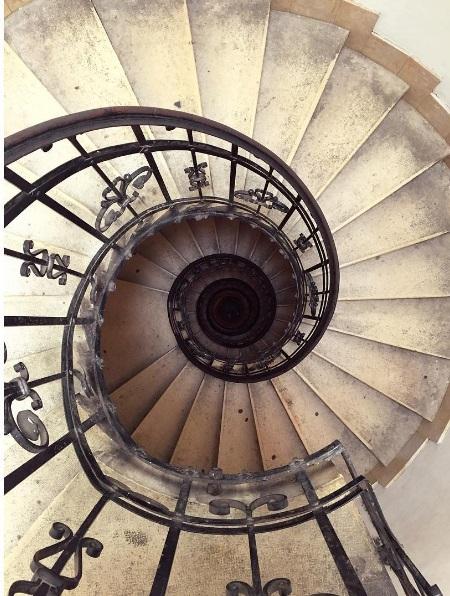 De Szent-István-Bazilik kan via deze eindeloze trap beklommen worden. Vanaf de basiliek heb je een mooi uitzicht over de stad.