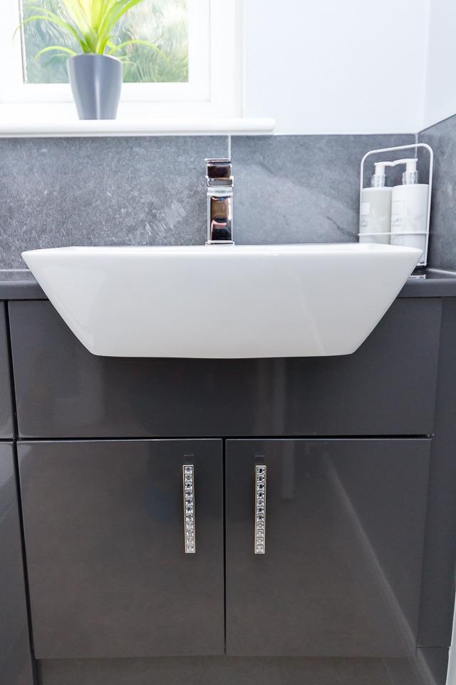 Stylish W/C - Bathroom Centre Stirling