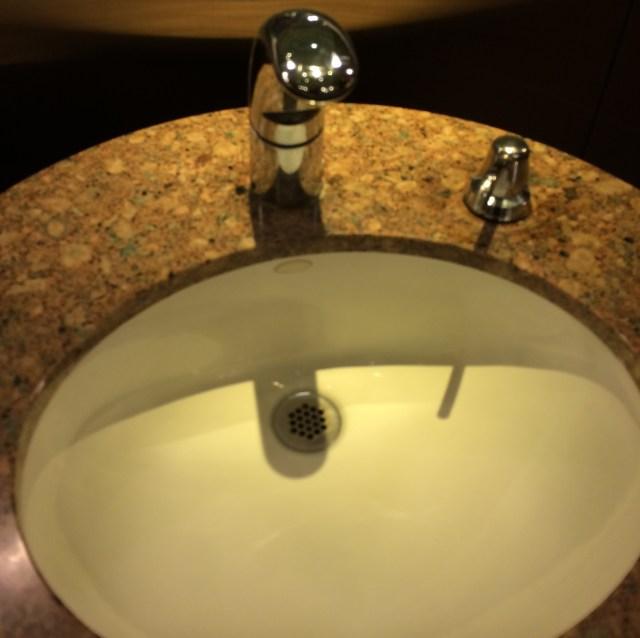 Public Restrooms mercial Sensor Faucets