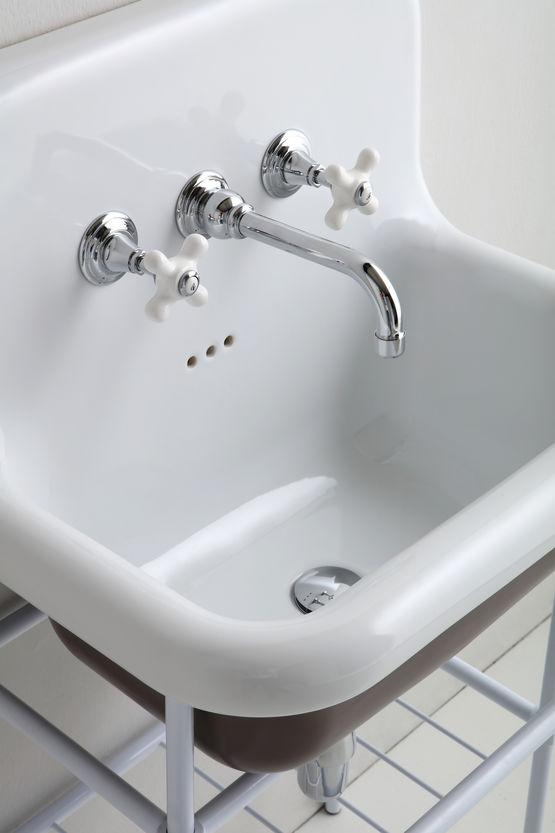 lavabo retro suspendu a revetement et robinetterie en 18 teintes vives truecolors