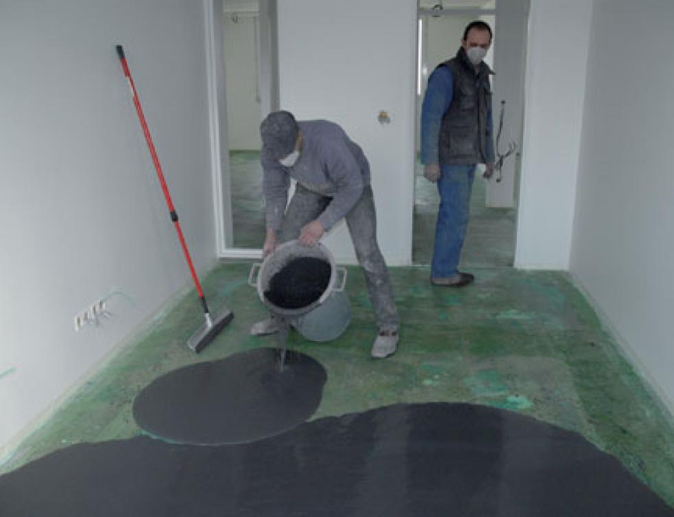 realiser un beton cire colore mise en