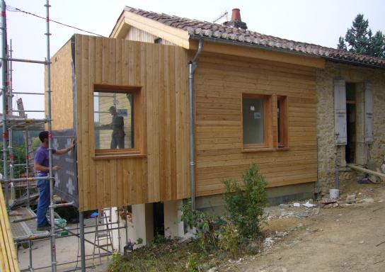 Ossature et bardage en bois. Construction d'une ossature et bardage par les Bâtisseurs d'Arcamont