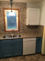 Glass kitchen tile backsplash