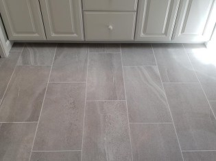 Simple bathroom floor tile