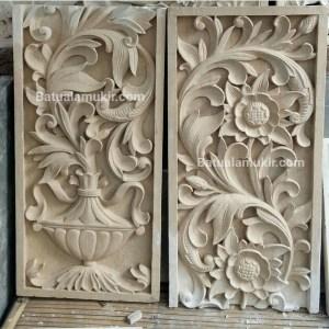 relief ukir batu putih