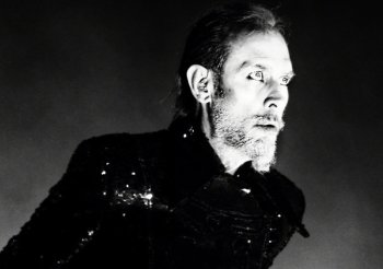Peter Murphy Talks Heart Attack, New York Residency, and Bauhaus with Billboard