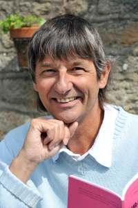-Sujet Culture- Yvon Taburet, auteur de pièces de théâtre. Ici dans sa propriété de Treffléan près de Vannes.