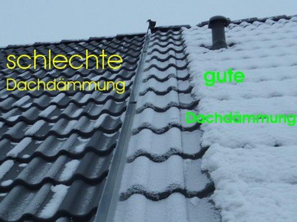 Gutachter Dach & Dachdämmung, links Dachdämmung mangelhaft