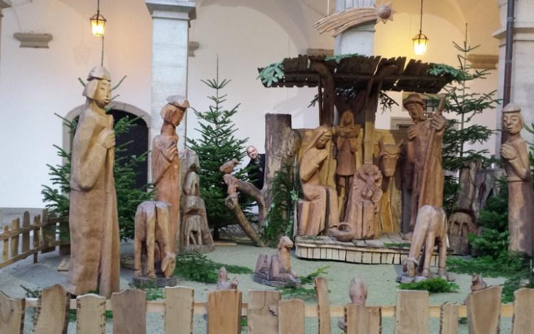 Linz-Landeshauptmannschaft-Weihnachtskrippe-001