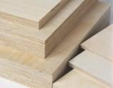 Sperrholzplatten aus Birke in unterschiedlichen Dicken