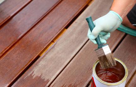 Holzpflege von Terrassen
