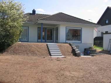 Herstellen eines nachträglichen Kellerzuganges mit Terrasse und Außenanlagen_2