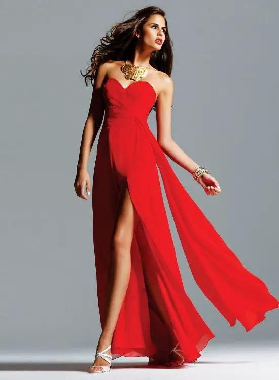 Kırmızı Yırtmaçlı Elbise Modelleri