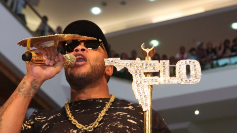 Hot Day South Bay: Flo Rida Headlines Free Concert at Great America