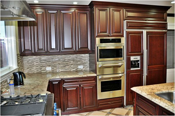 cherry_cabinets_traditional_cabrene_4