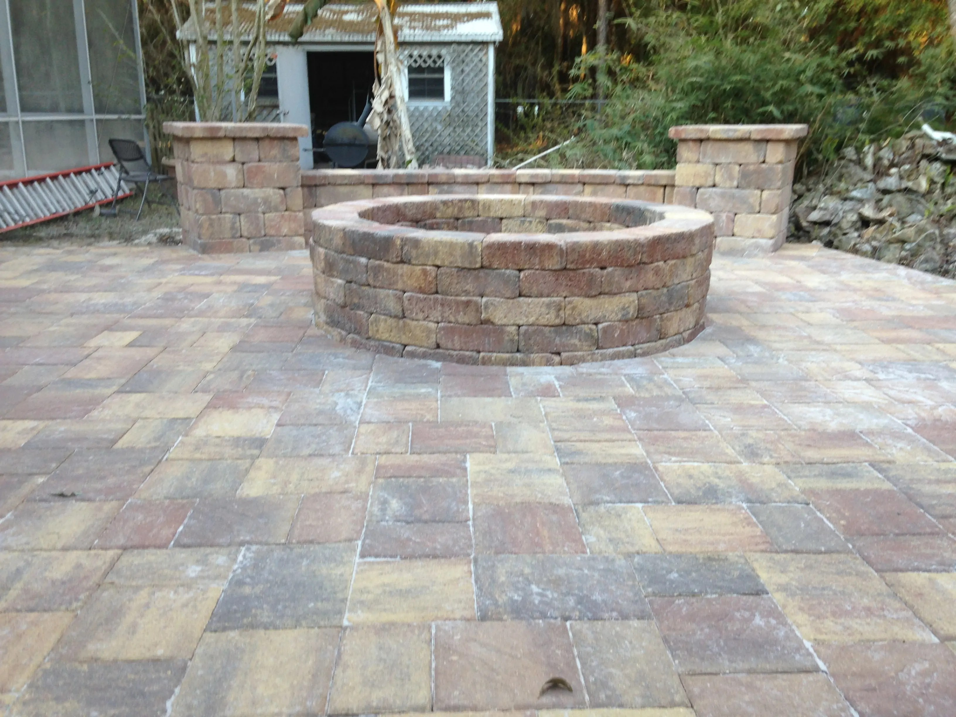 Fire Pits | Bay Brick Pavers on Pavers Patio With Fire Pit id=68540