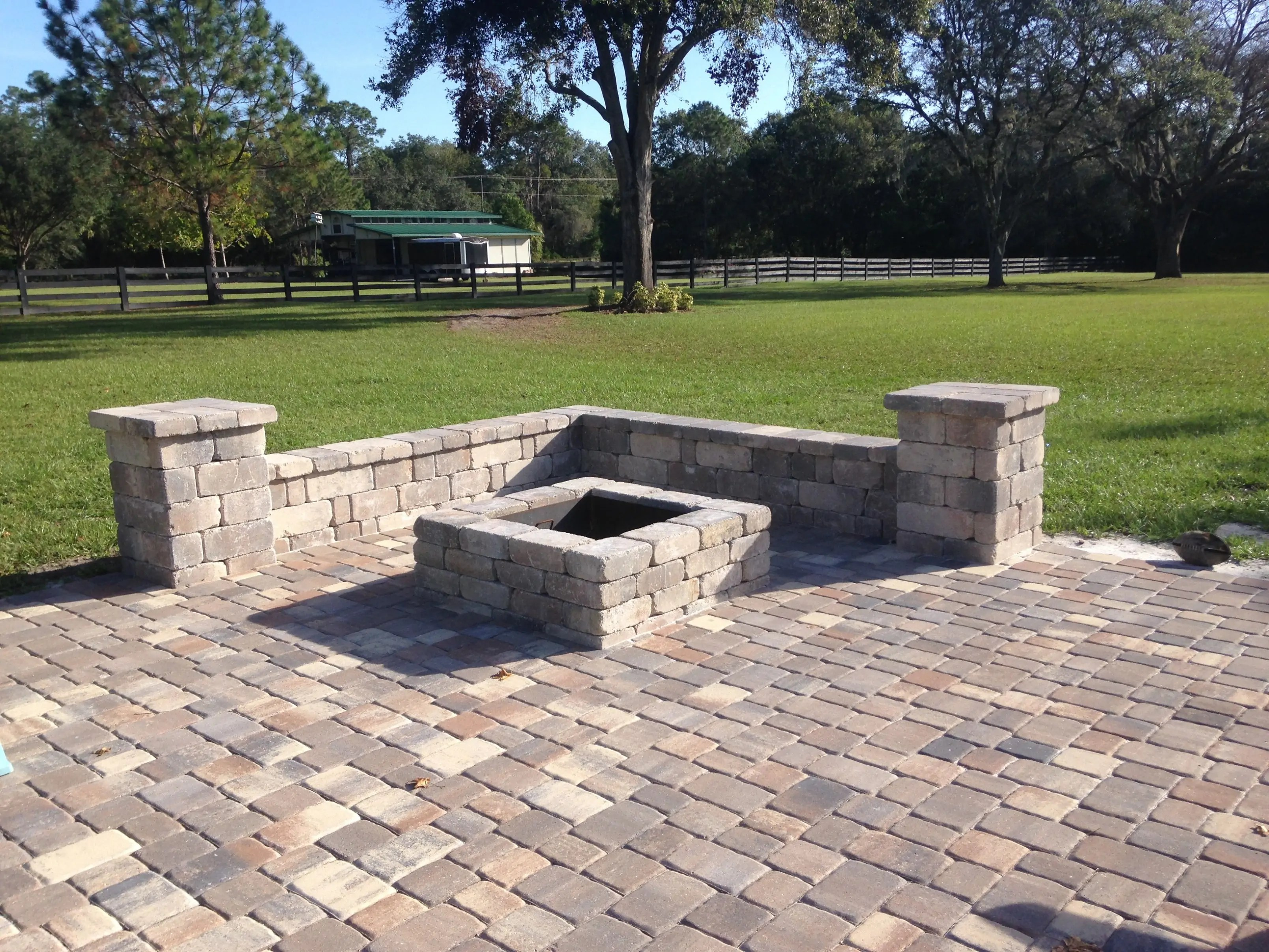 Fire Pits | Bay Brick Pavers on Pavers Patio With Fire Pit id=16600