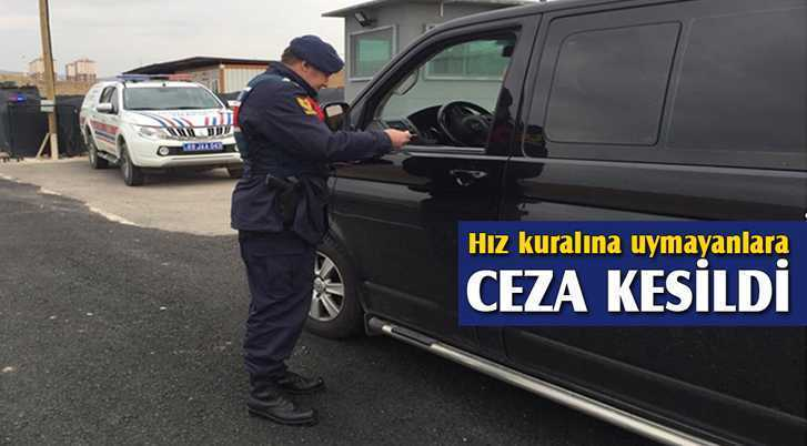 Jandarma Ekipleri Hız Kuralına Uymayanlara Para Cezası Kesti