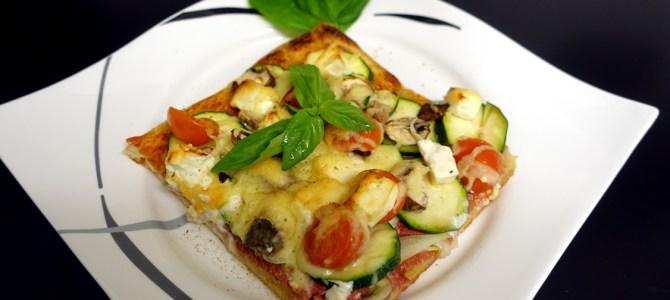 Vegetarische Pizza nach Art des Hauses