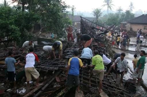 Zerstörtes Haus in BANJIR BANDANG Foto-Quelle: Jakarta Post