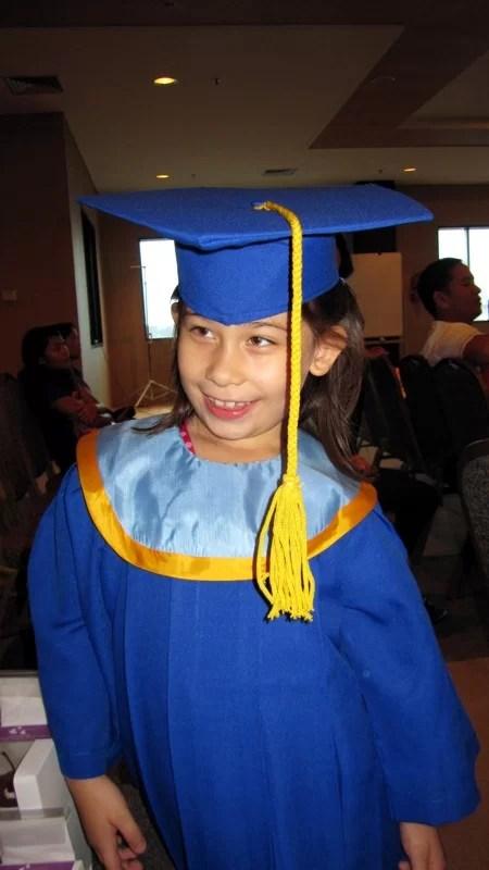 Sarah auf der ABschlussfeier des Kindergarten