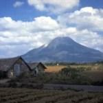 Vulkan Sinabung kommt nicht zur Ruhe