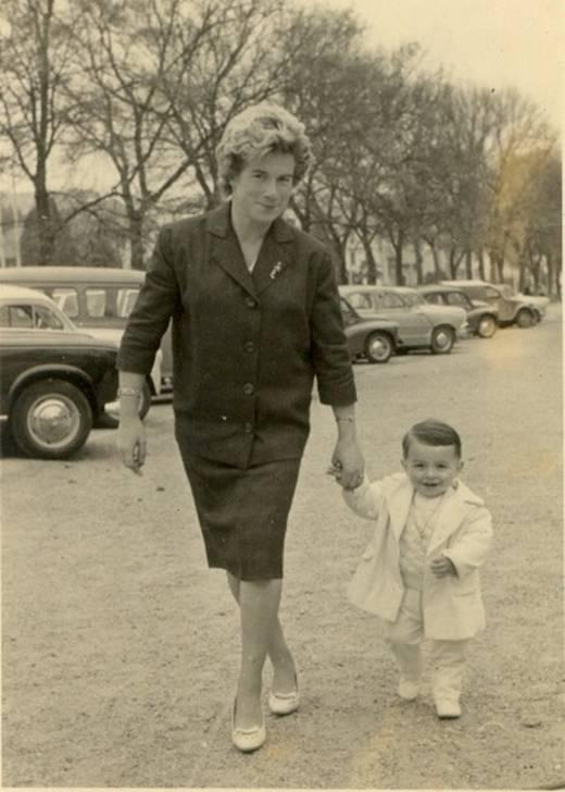 Le petit passager et sa maman aux Allées Paulmy deux ans après