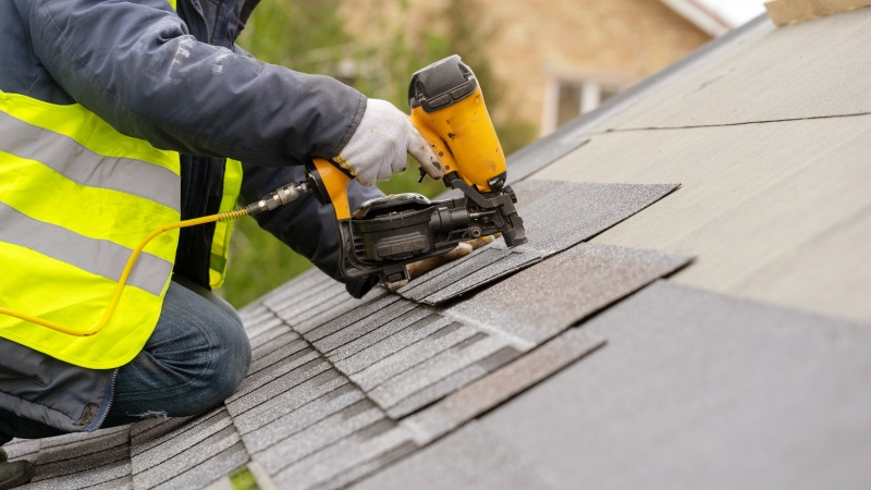 Heating Bills Expensive This Winter? Consider a New Roof This Spring!
