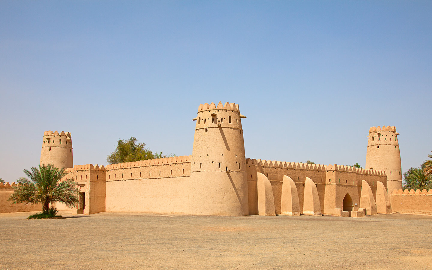 A Complete Guide To Emirati Traditions