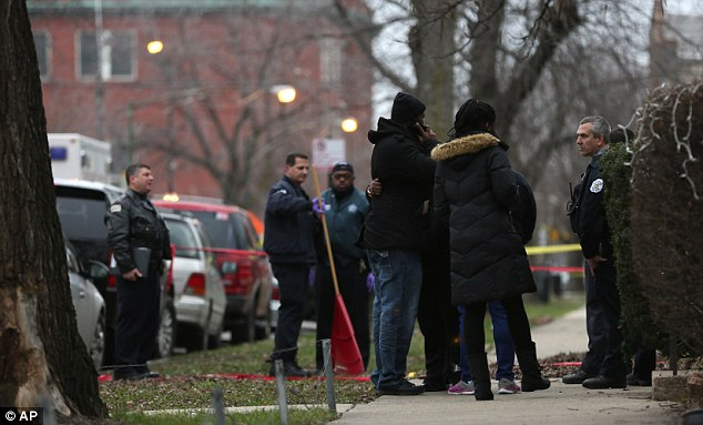 "Chicago cop ""accidentally"" kills black neighbor"