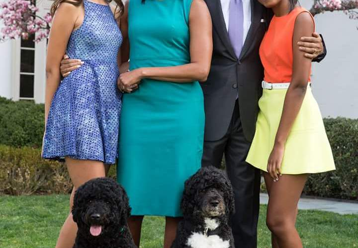 PHOTO: The Obama's release family photo for Easter