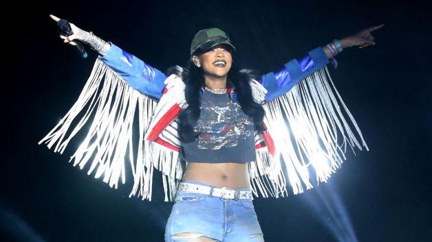 "VIDEO PREMIERE: Rihanna ""Needed Me"""