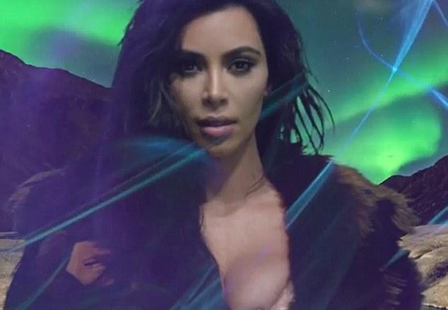 PHOTOS: Kim Kardashian 's Advent Calendar Is Here