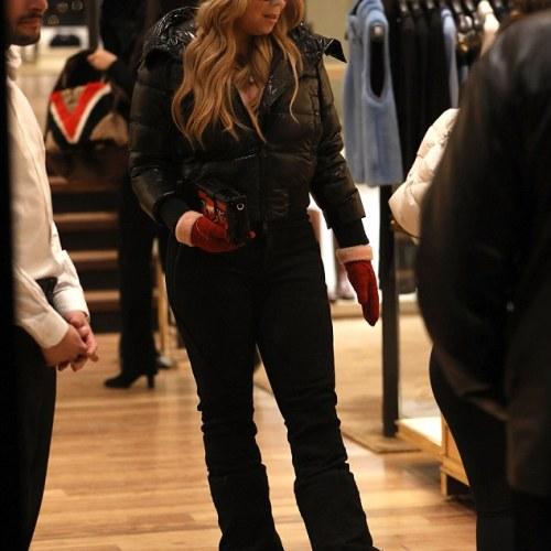 PHOTOS: Mariah Carey shops luxury  on Aspen holiday in Colorado