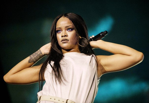 Here's why Queen Rihanna turned down the NFL 's offer