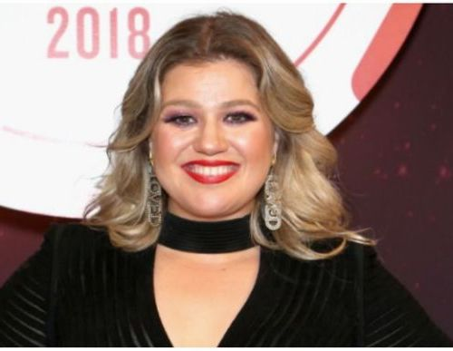 WATCH: Kelly Clarkson disobeyed Macy's rules sang LIVE at Macy 's Parade