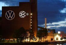 Photo of European carmakers restart production as coronavirus lockdowns ease