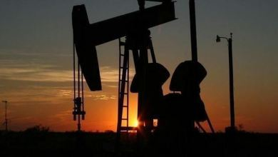 Photo of Oil prices fall below $40 as virus threatens economies