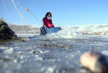 Eskimo-style ice fishing season begins in Turkey's east 10