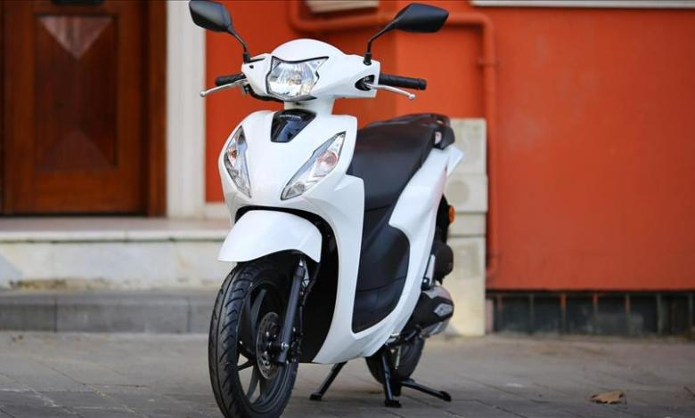 The new light-weight motorcycle 'Honda Dio' will be launched in Turkey 1